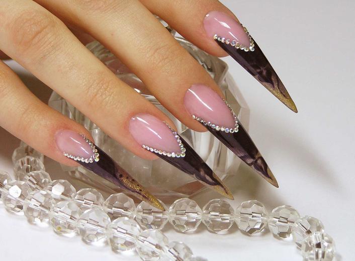 Наращивание: ногти-стилеты