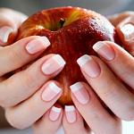 Мастер ногтевого сервиса может рассказать о вас по состоянию ногтей